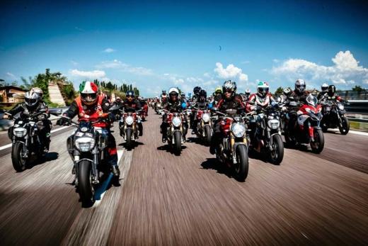 Imagen grupo de motos